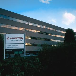 Ariston Thermo a achizitionat Calorex